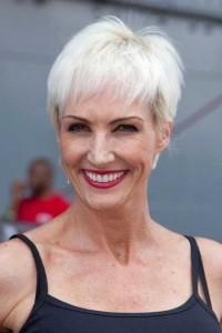 coiffure dynamique femme 60 ans