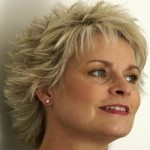 coiffure femme 60 ans dynamique