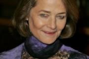 coiffure femme 60 ans raie sur le coté