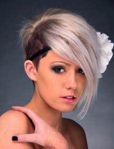 coiffure femme cheveux courts à la mode