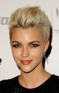 coiffure femme cheveux courts 2014