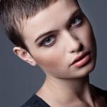 coiffure femme cheveux courts visage rond