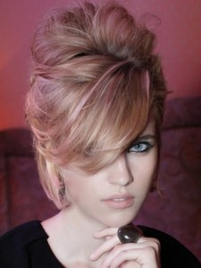 coiffure femme cheveux mi longs avec frange