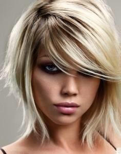 coiffure femme mi long avec frange sur le coté