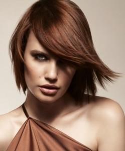 coiffure femme mi long dégradé avec mèche