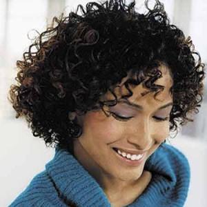 coiffure femme mi long frisée