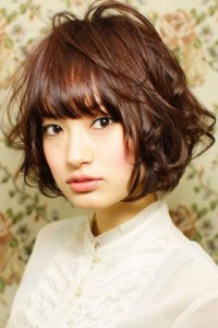 coiffure femme visage rond asiatique