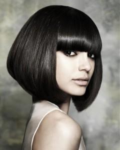 coiffure pour visage rond frange