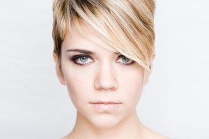 coupe cheveux courts 2013 visage rond