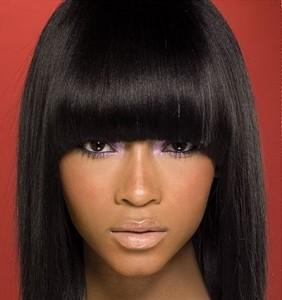 coupe cheveux femme 2014 noire frange