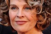 coupe de cheveux pour visage rond femme 50 ans