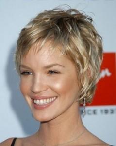 modèle coupe cheveux femme court 2013