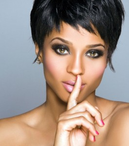 coiffure femme black visage carré