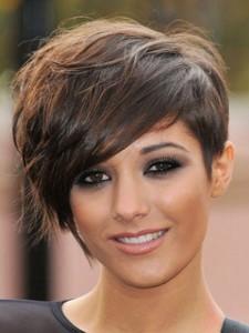 coiffure femme visage ovale triangulaire