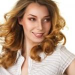 coiffure visage carré cheveux bouclés