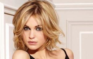 coupe de cheveux femme 2013 visage carré