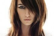 coiffure frange de côté pour visage long