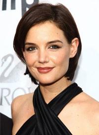 coupe courte visage rond femme 20 ans