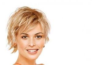 coiffure femme cheveux fins courts